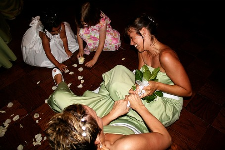 wedding-toss